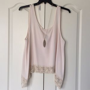 American Eagle Outfitters blush tank w/ lace trim
